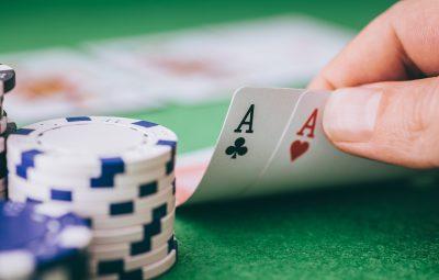Play Dewa Poker